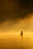 Pesca di mosca in acque calme fotografie stock