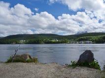 Pesca di Saltstraumen nei fiordi Un posto popolare di pesca Fotografie Stock