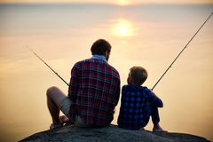 Pesca di sera fotografie stock libere da diritti