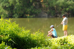 Pesca dos meninos Fotografia de Stock Royalty Free