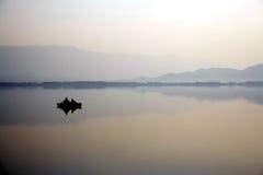 Pesca en el amanecer Fotos de archivo