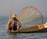 Pesca en el lago Inle Imágenes de archivo libres de regalías