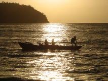 Pesca en la salida del sol de Samana Fotos de archivo libres de regalías