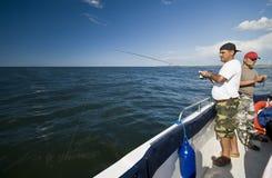 Pesca en mar. Imagenes de archivo