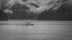 Pesca entre la reina Charlotte Islands Foto de archivo