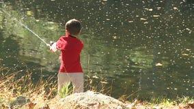 Pesca joven del muchacho (6 de 9) metrajes