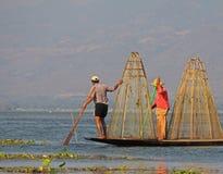 Pesca no lago Inle Fotografia de Stock Royalty Free