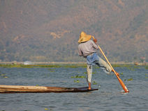 Pesca no lago Inle Imagens de Stock
