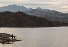 Pesca no Mohave do lago Imagens de Stock