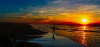 Pesca no por do sol Foto de Stock Royalty Free