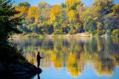 Pesca por el río pacífico imágenes de archivo libres de regalías