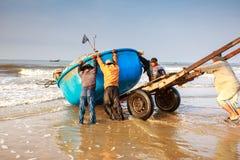 Pesca por um dia novo Fotos de Stock