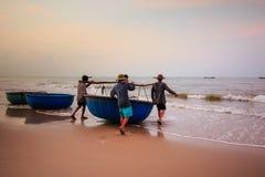Pesca por un nuevo día imágenes de archivo libres de regalías