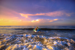 Pesca por un nuevo día Fotografía de archivo libre de regalías