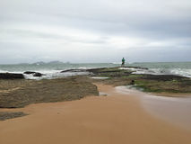 Pesca, spiaggia di Cavaleiros, Macae, RJ Brasile Fotografie Stock Libere da Diritti