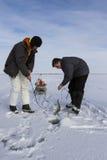 Pesca sul ghiaccio. immagini stock libere da diritti