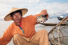 Pesca tradizionale, lago Inle, Birmania immagini stock libere da diritti