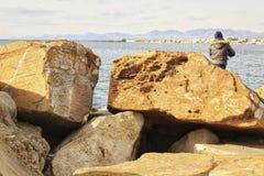 Pesca y relajación en un día soleado Fotos de archivo