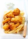 Pescado frito con patatas fritas fotografía de archivo libre de regalías
