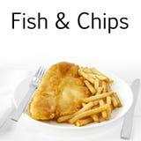 Pescado frito con patatas fritas en blanco Foto de archivo libre de regalías