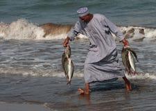 Pescado-vendedor en Barka, Omán Fotografía de archivo