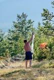 Pescador con una red Imagen de archivo