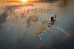 Pescador del lago Bangpra Imágenes de archivo libres de regalías