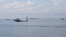 Pescador del lago Inle Imagen de archivo