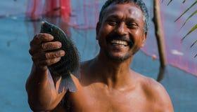 Pescador feliz del pueblo en Kerala imagen de archivo libre de regalías