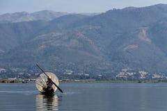 Pescador, lago del inle en Myanmar (Burmar) imágenes de archivo libres de regalías