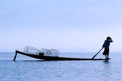 Pescador no lago Inle Imagem de Stock Royalty Free