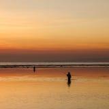 Pescador por la mañana fotografía de archivo libre de regalías
