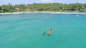 Pescador srilanqués In Paradise Aerial 4k almacen de metraje de vídeo