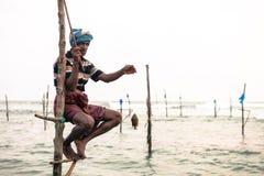 Pescador tradicional do pernas de pau em Sri Lanka Imagem de Stock
