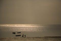 Pescadores de la madrugada Imágenes de archivo libres de regalías