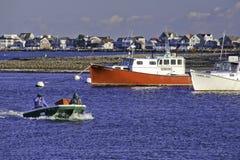 Pescadores de Nueva Inglaterra y barcos de pesca Fotografía de archivo