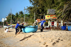 Pescadores em Mui Ne vietnam Imagem de Stock
