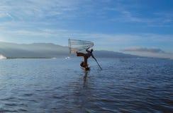 Pescadores en el amanecer del lago Inle Fotografía de archivo libre de regalías