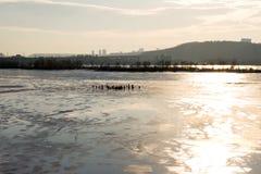 Pescadores en el hielo Fotos de archivo