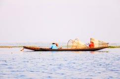 Pescadores en el lago Inle, Shan, Myanmar Fotos de archivo libres de regalías