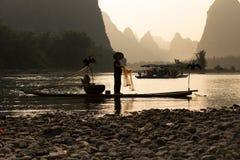 Pescadores en Li River imagen de archivo