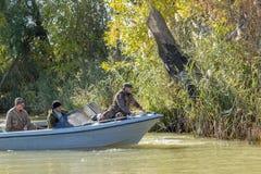 Pescadores en un barco Imagen de archivo