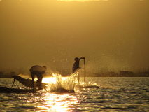 Pescadores - lago Inle - Myanmar Imagenes de archivo
