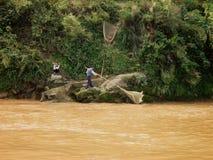 Pescadores a lo largo del río de Yangtze Foto de archivo libre de regalías
