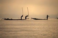 Pescadores no lago Inla, Myanmar Fotografia de Stock Royalty Free