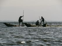 Pescadores no lago Inle imagem de stock