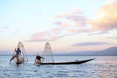 Pescadores no lago Inle Imagem de Stock Royalty Free