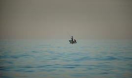 Pescadores no mar foto de stock