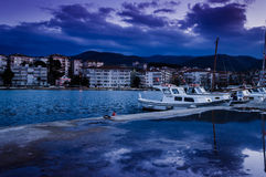 Pescadores Pier On The Seaside Town imagens de stock royalty free