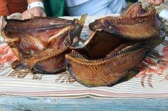Pescados ahumados apetitosos fotografía de archivo